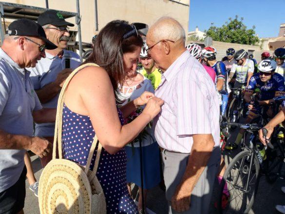 La Unió Ciclista Blahi entrega la insígnia d'or al campaner d'adopció Joan Serra Amengual per la seva trajectòria dins el món del ciclisme